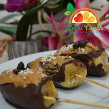 Bananos cubiertos de chocolate
